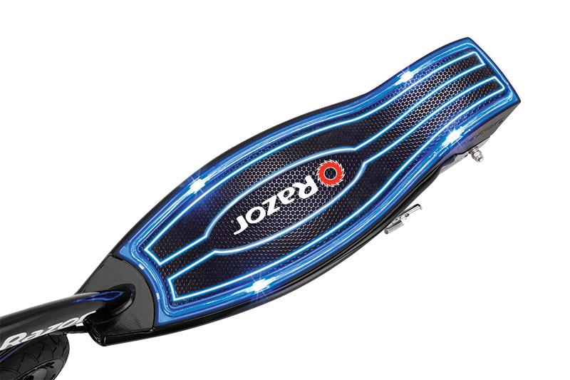 Świecący podest - hulajnoga elektryczna Razor E100 Glow