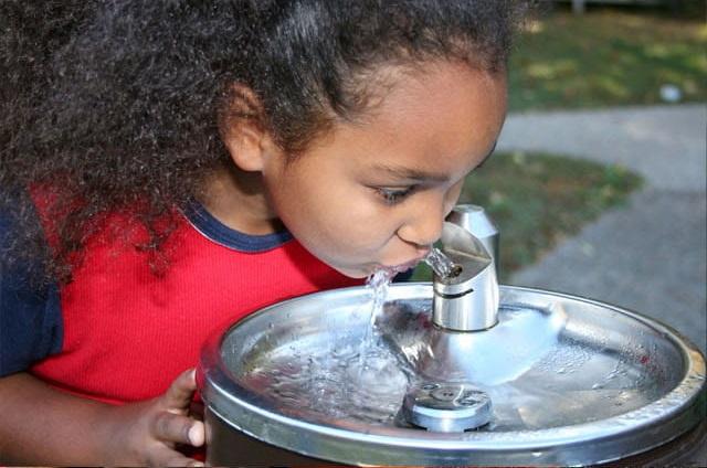 Woda dla szkół i przedszkoli - troska o środowisko